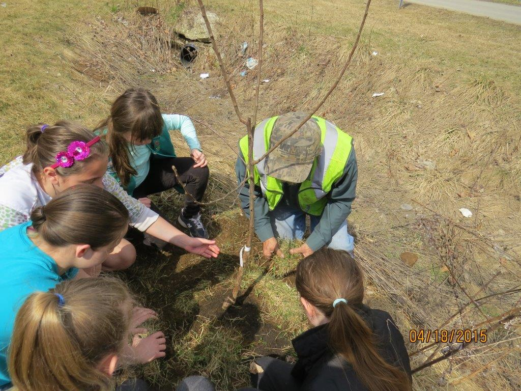 Native Habitat and Invasive Species Earth Day Event